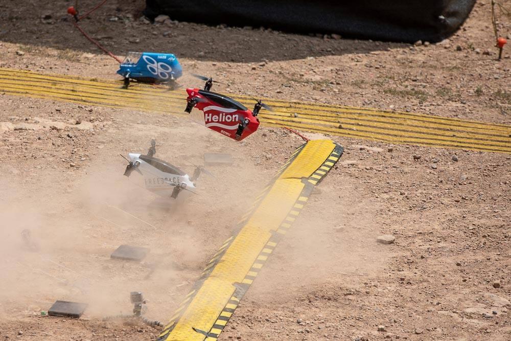 Były to pierwsze zawody na świecie gdzie odbył się wyścig więcej niż jednej takiej maszyny jednocześnie.